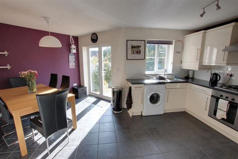 3 bedroom detached house to rent - Spacious three bedroom house to let on Mallard Close, Trowbridge