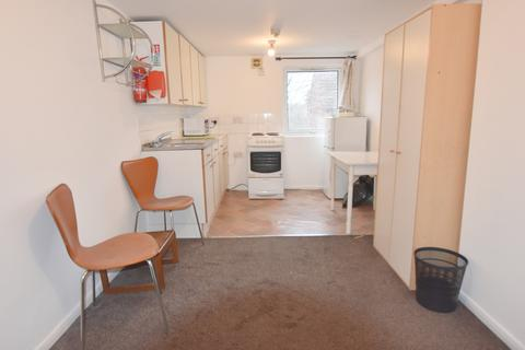 Studio to rent - Cobden Street, Lenton