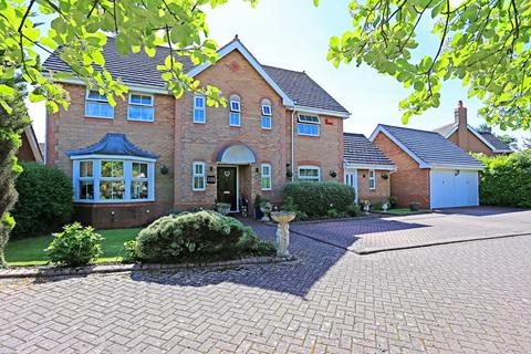 5 bedroom detached house for sale - Whitefields Road, Solihull