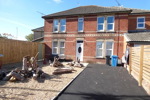 2 bedroom flat to rent - Ringwood Road, Poole BH14