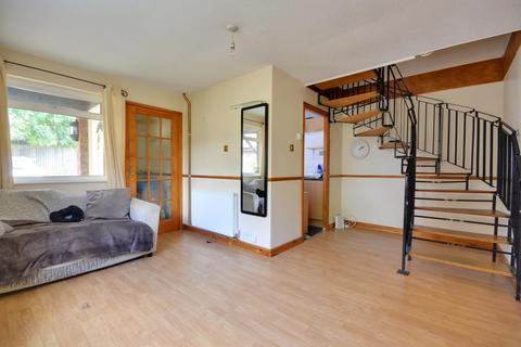 1 bedroom semi-detached house to rent - Hambledon Close, Hillingdon, Middlesex UB8 3UD