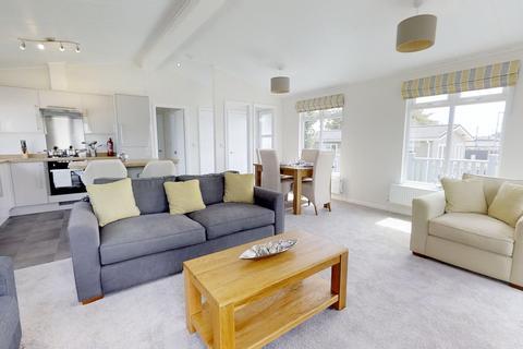 2 bedroom lodge for sale - Mundesley Norfolk