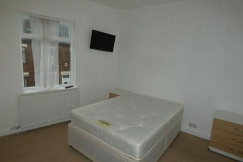 4 bedroom house share to rent - Room 1,May Place, Stoke on Trent,Staffordshire, ST4 3EA