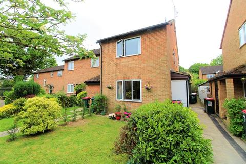 1 bedroom end of terrace house for sale - Buchans Lawn, Crawley, West Sussex. RH11 9NZ