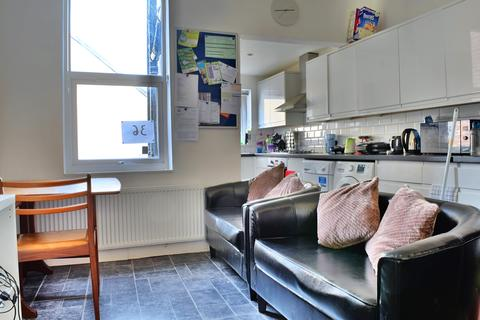4 bedroom terraced house to rent - Mona Road, Crookesmoor, Sheffield,  S10