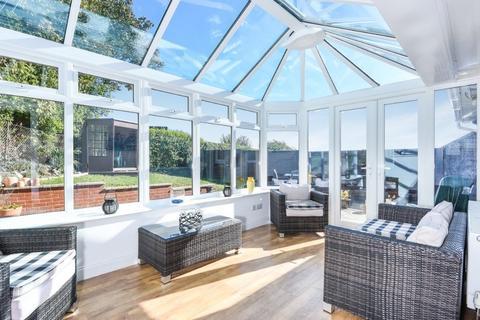 3 bedroom detached house for sale - Ainsworth Close, Ovingdean, East Sussex, BN2