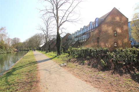 2 bedroom flat to rent - Kingfisher Place, Reading, Berkshire, RG1