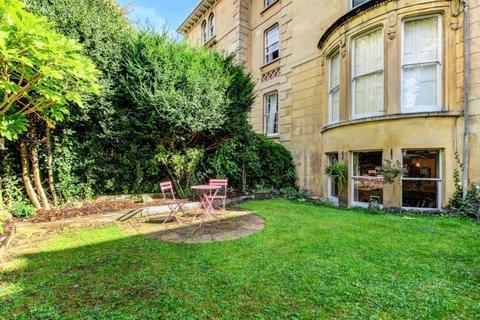 2 bedroom apartment for sale - Westfield Park, Redland