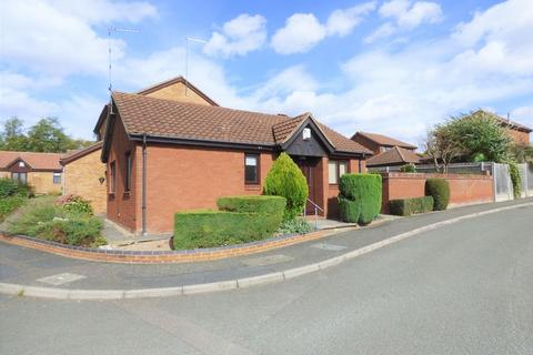 2 bedroom detached bungalow for sale - Falconers Rise, Northampton