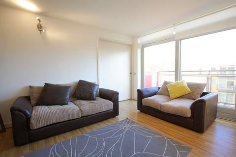 3 bedroom apartment to rent - Holly Court, Greenwich Millennium Village