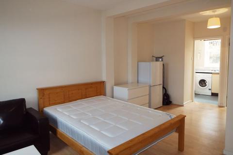Studio to rent - Bristol Road, Selly Oak, Birmingham, B29 6NA
