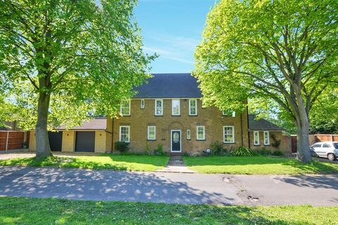 5 bedroom detached house for sale - Dowding Road, Norwich