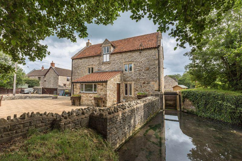 4 Bedrooms Detached House for sale in The Green, Old Coleford, Somerset