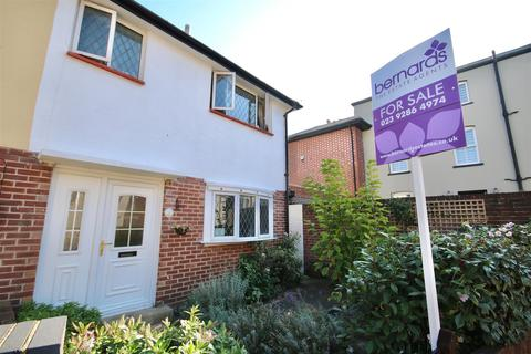 3 bedroom semi-detached house for sale - Castle Road, Southsea