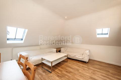 4 bedroom flat - St Johns Crescent, Brixton