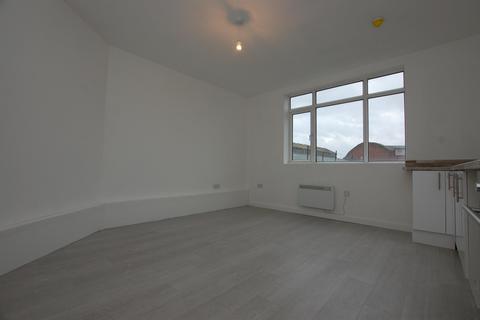 1 bedroom apartment to rent - High Street, Cradley Heath, B64 5HA