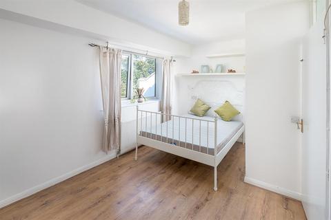 2 bedroom flat to rent - Ashmount Road, London, N15
