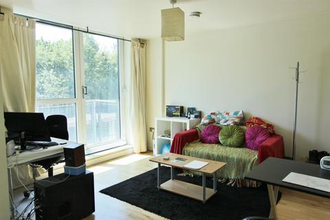 Studio to rent - St. Marys Road, Sheffield, S2 4AH