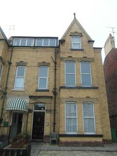 2 bedroom flat to rent - Flamborough Road, Flat 3 Bridlington, , YO15 2HU