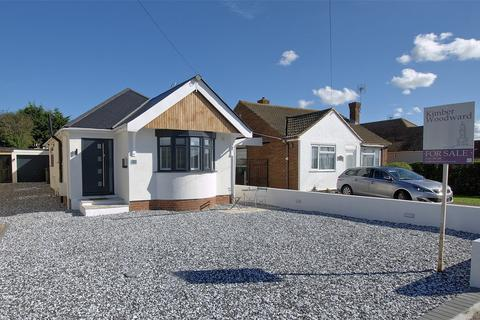 2 bedroom detached bungalow for sale - Hampton Pier Avenue, Herne Bay, Kent