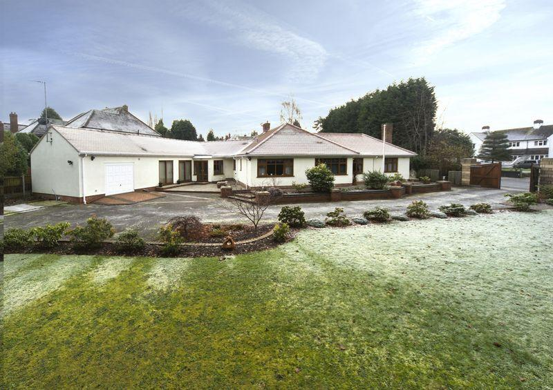 4 Bedrooms Detached Bungalow for sale in TETTENHALL, Woodthorne Road.