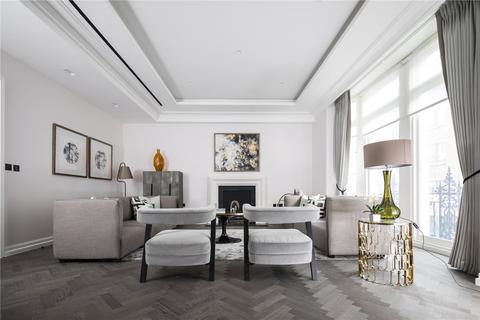 3 bedroom flat for sale - Queen Street, Mayfair, London