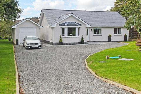 3 bedroom detached bungalow for sale - Plas Llwyd, Cerrig Man, North Wales