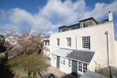 1 bedroom apartment to rent - Immaculate one bedroom apartment close to town, Saltash