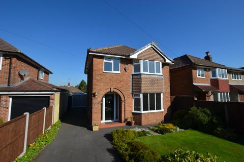 3 bedroom detached house for sale - Hobart Close, Mickleover, Derby