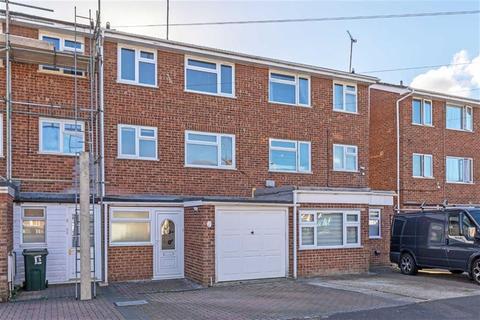 3 bedroom townhouse for sale - Swallowfield, Ashford, Kent
