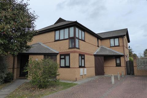 1 bedroom apartment for sale - Greenlands Avenue, New Waltham