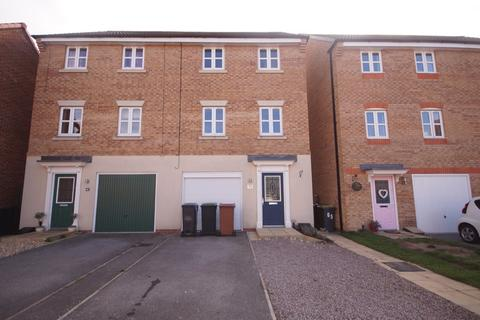 3 bedroom townhouse to rent - Maximus Road, North Hykeham, Lincoln