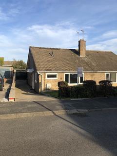 2 bedroom detached bungalow to rent - The Fairway  TS12