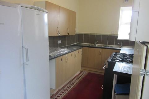 6 bedroom terraced house to rent - Walter Road, Swansea. SA1 5NG
