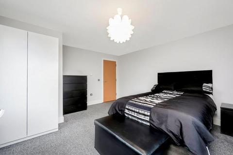1 bedroom penthouse for sale - Fairfield Road, London E3