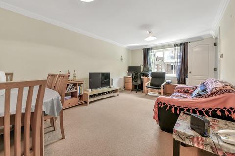 2 bedroom flat for sale - Bedser Close, London SE11