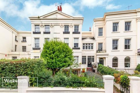 2 bedroom flat for sale - Montpelier Crescent, Brighton, East Sussex, BN1