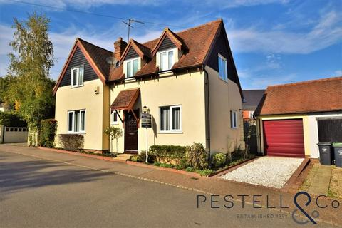 3 bedroom detached house for sale - The Downs, Great Dunmow