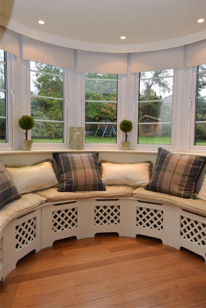 Lounge Bay Window