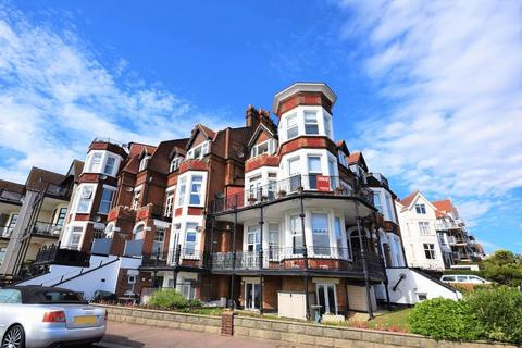 3 bedroom apartment for sale - The Leas, Westcliff-On-Sea