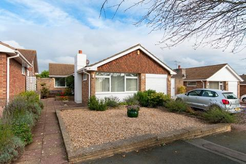 3 bedroom bungalow for sale - Belgrave Crescent, Seaford, East Sussex, BN25 3AX