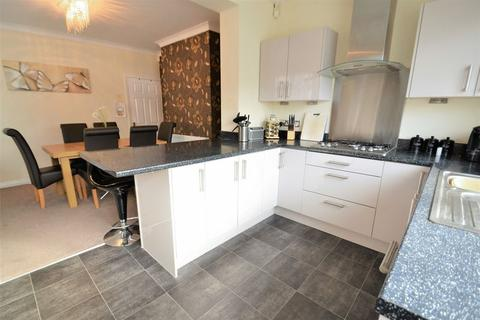 2 bedroom semi-detached house for sale - Wentworth Road, South Swinton, Manchester