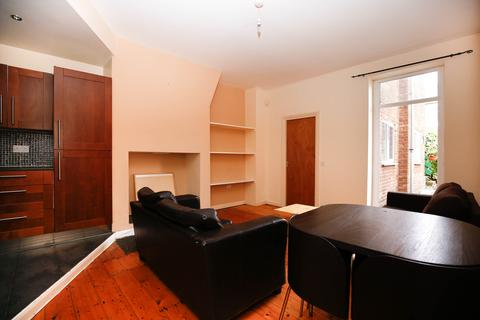 3 bedroom flat to rent - Malcolm Street, Heaton, Newcastle Upon Tyne