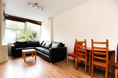 5 bedroom apartment to rent - Henshelwood Terrace, Jesmond, NE2