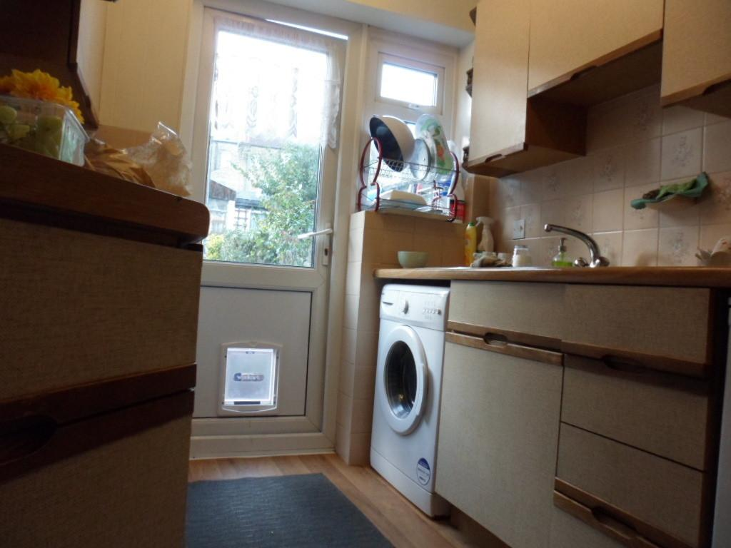 THE DELL, ABBEY WOOD, LONDON, SE2 0RW 3 bed terraced house - £350,000