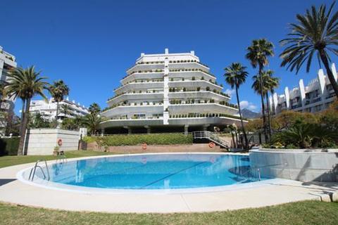 2 bedroom apartment  - Marbella, Malaga