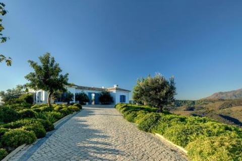 4 bedroom villa  - Monte Mayor, Benahavis, Malaga