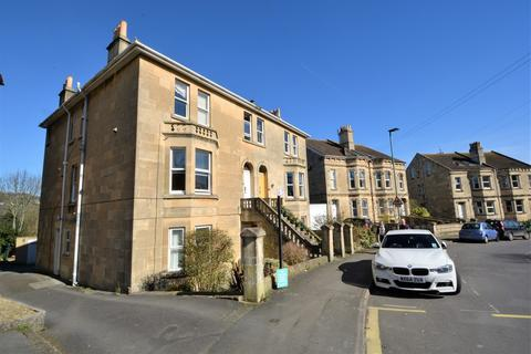 2 bedroom flat to rent - Lower Oldfield Park, Bath