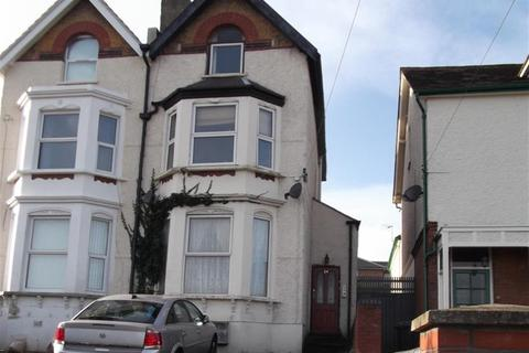 Studio to rent - Summerhill Road, Dartford, DA1 2LP