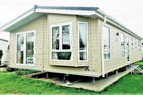 2 bedroom static caravan for sale - East Bergholt Colchester